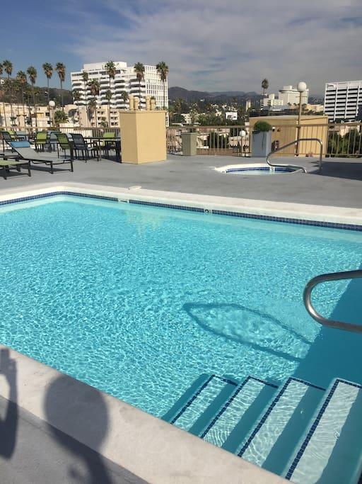 Rooftop pool/jacuzzi with panoramic view of Hollywood!