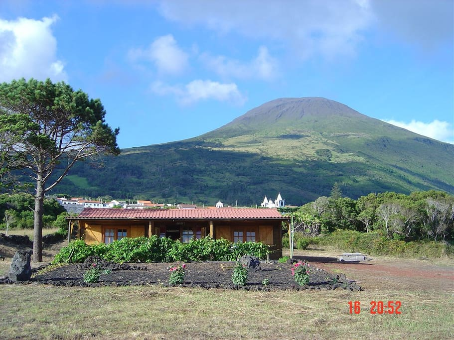 View of mountain Pico with house in front