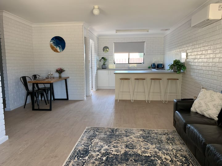 Esperance Beach Unit No 7
