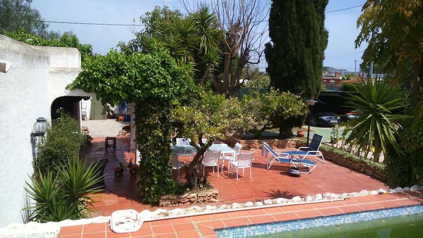 CASA IBICENCA: piscina-bbq-jardín - Benicarló - House