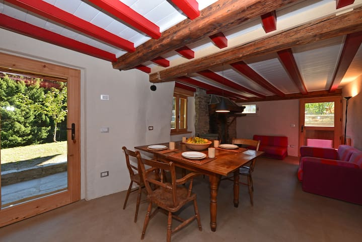 Spacious apartment in original Chalet,  2 min/ ski
