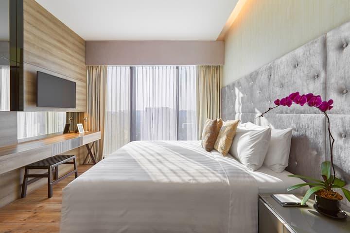 1-Bedroom Deluxe Suite