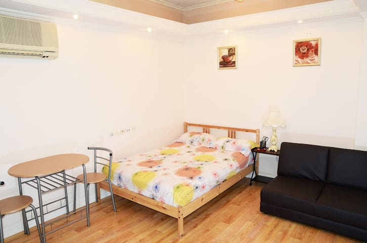 Private, Warm and Cosy Studio in Sham Shui Po