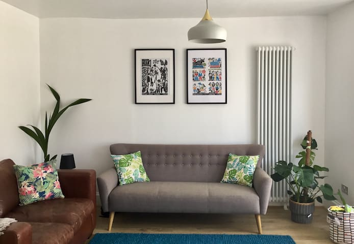 Stylish Newly Renovated  Holiday Apartment