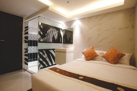 Stylish Double room near Thong lo BTS Station - Apartament