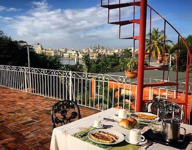 Amazing views & daily breakfast included - Casa Blanca - Bed & Breakfast