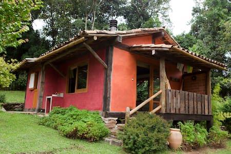 Chalé 1 -  Espaçoso no Matutu - Aiuruoca - Dağ Evi