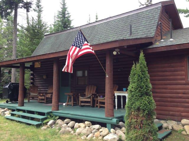 Waterfront Adirondack Log Cabin - Vermontville