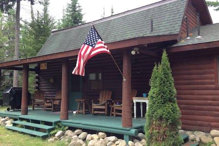 Waterfront Adirondack Log Cabin - Vermontville - Srub