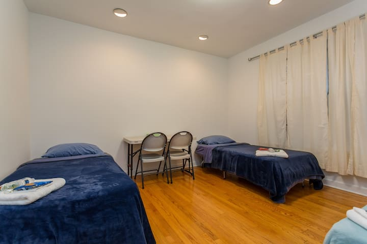 Upscale Safe Hyde PK Private Rm with Free Parking