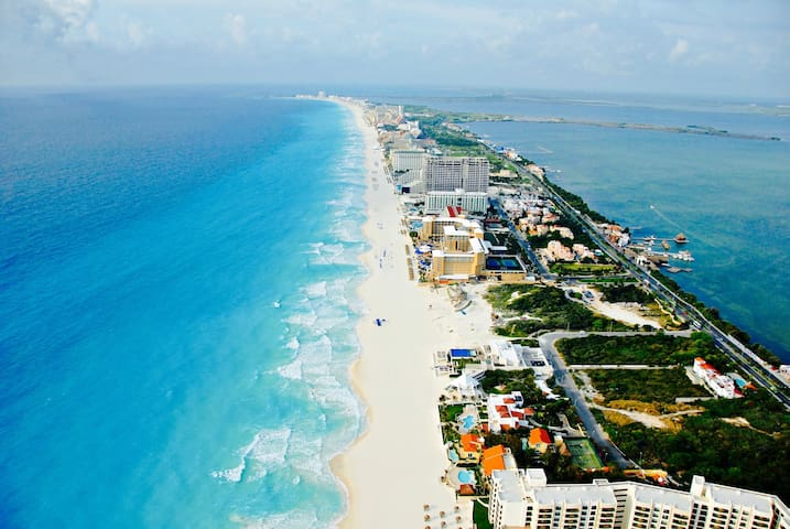 Between SEA & LAGOON: easy access to everything! - Cancún