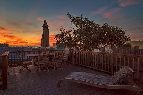 Contemporary, Modern Garden Suite - Sunset Views