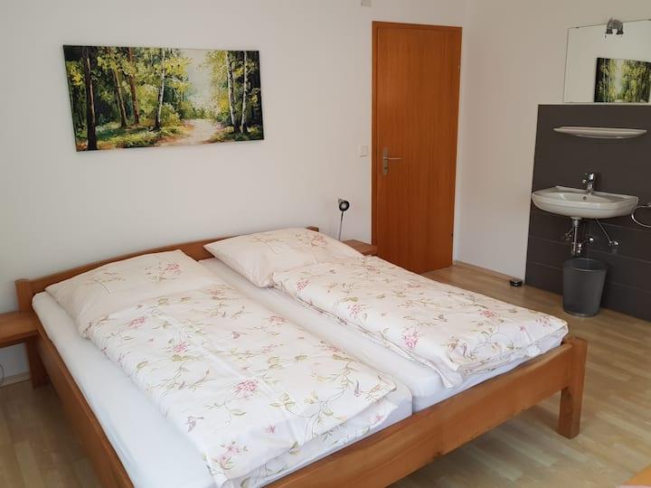 Spinnertonihof (Bad Peterstal-Griesbach), Ferienwohnung Vergissmeinnicht 70qm, 2 Schlafräume, max. 4 Personen