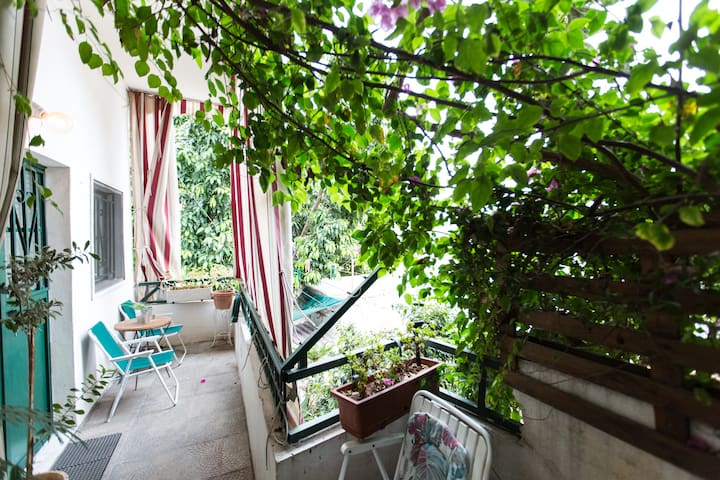 Private studio in Beirut with a terrace 101