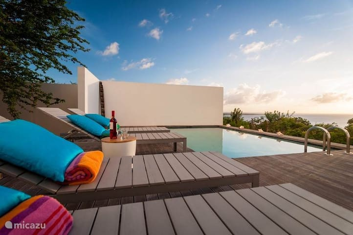 Bonaire Bay View Villa