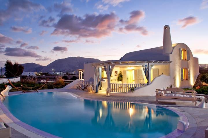 Impeccable Cycladic 980m2Villa, with Private Pool