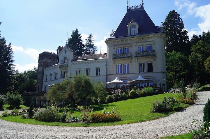 Gîte du Château de la chomette - Bas-en-Basset