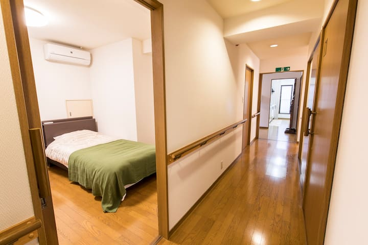 Hallway and BEDROOM