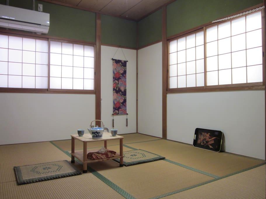 chambre traditionnelle tatami au deuxi me tage maisons louer moriguchi shi saka fu japon. Black Bedroom Furniture Sets. Home Design Ideas