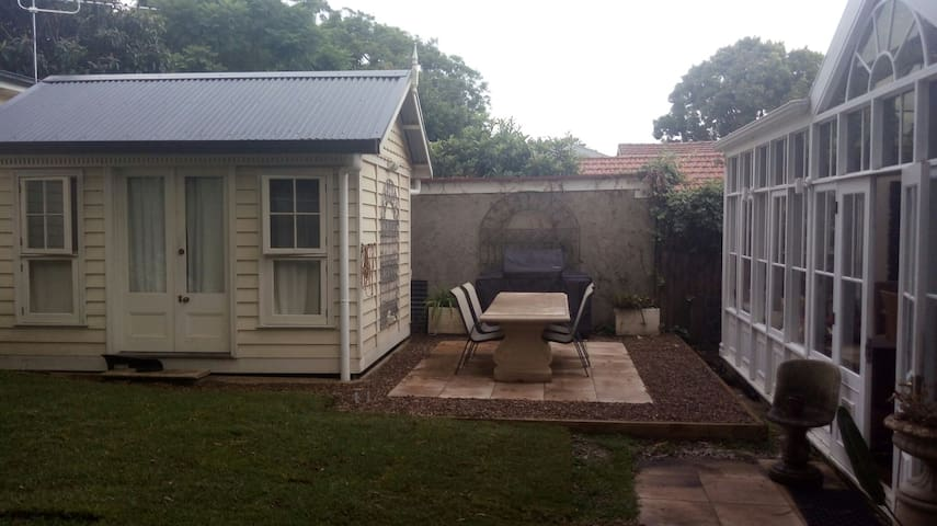 Beautiful private bungalow - North Manly - Cabin