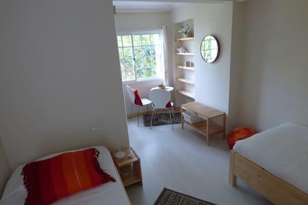 Três Bandeiras Guest House B&B (QBe) - Carvoeira - Bed & Breakfast