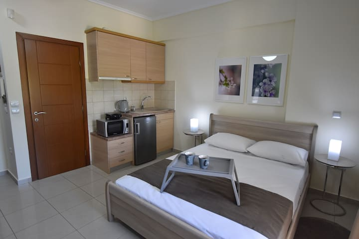 Next to railway and bus station apartment. D-ROOM
