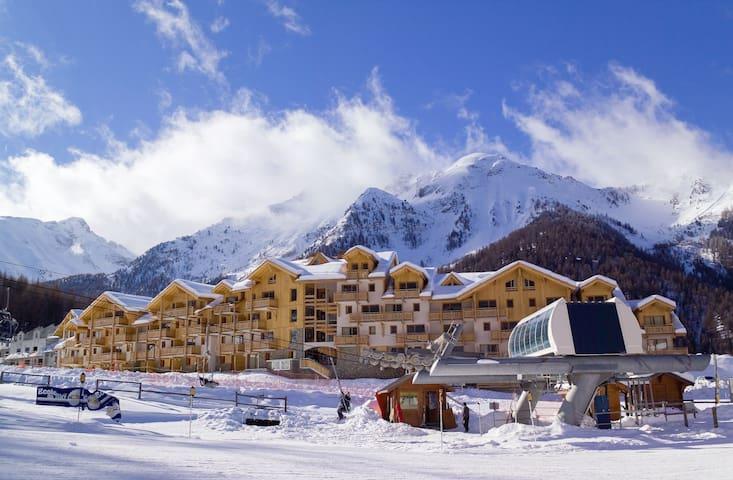 Appartement au calme, coeur de la station, ski aux pieds