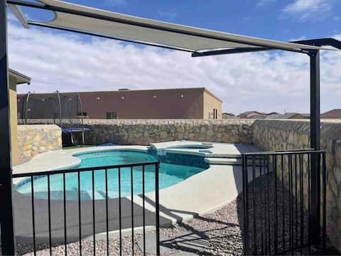 Relaxing 3 bedroom duplex with a private pool