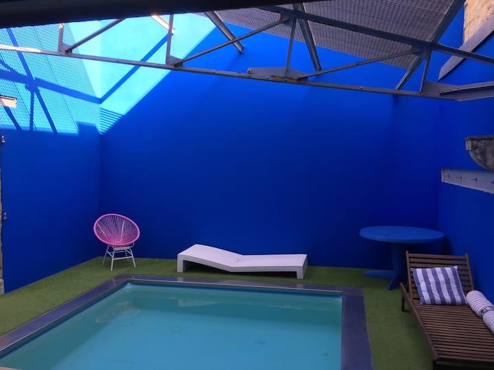 Loft 110m2 avec piscine , esprit majorelle