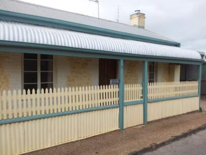 Wallaroo Holiday House in a quiet area