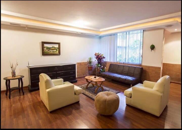 Cómoda Suite en Bellavista Quito