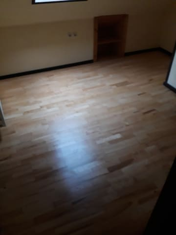 House is clean and ready for use. All dontations for sleeping goes to Commission on human right Slovenia for development of project Sun house potok sega Slovenia. More info: sanela.stadler@gmail.com 00386 40 609 149