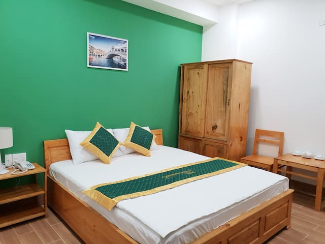 Quy nhon center hotel - 1 king bed