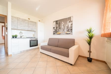 Bright Apartments Desenzano - Cascinale Pool 2