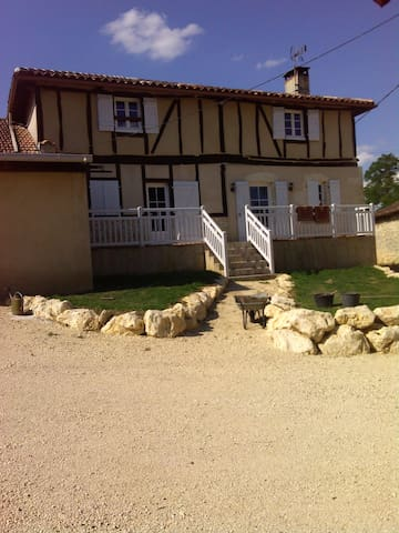 House in Courrensan w/ private pool - Courrensan - Huis