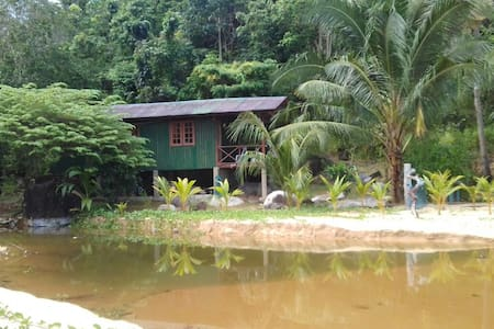 Private Beachfront Cabin - Kg Juara, Tioman Island