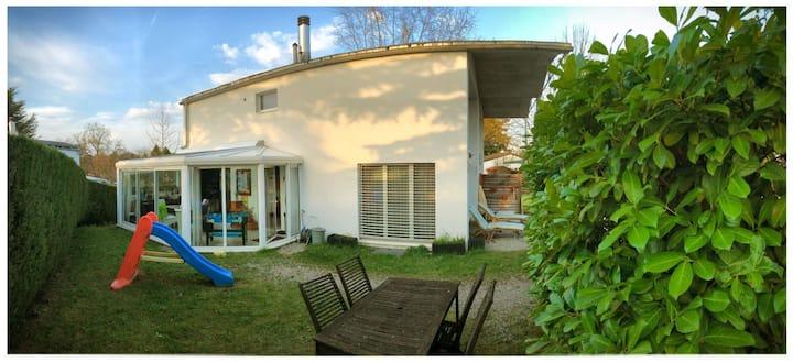 Cosy and bright family house near Geneva center