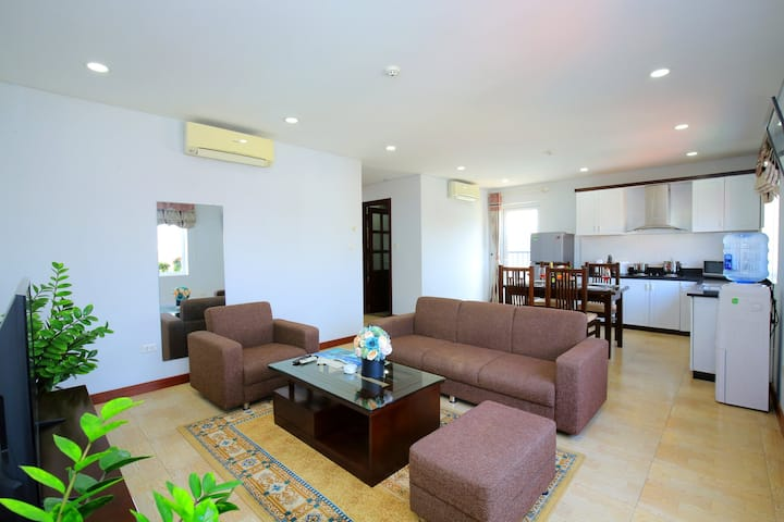 Family apartment with 2 beds room  in Cau Giay <3