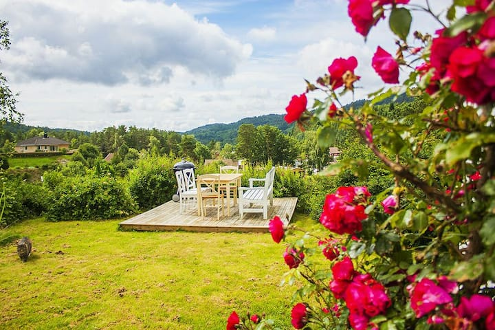 Sunny Countryside in Norway - Mandal - Casa