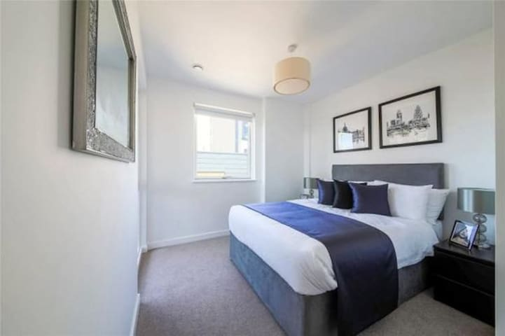 Welcome Visitors! - London - Apartment