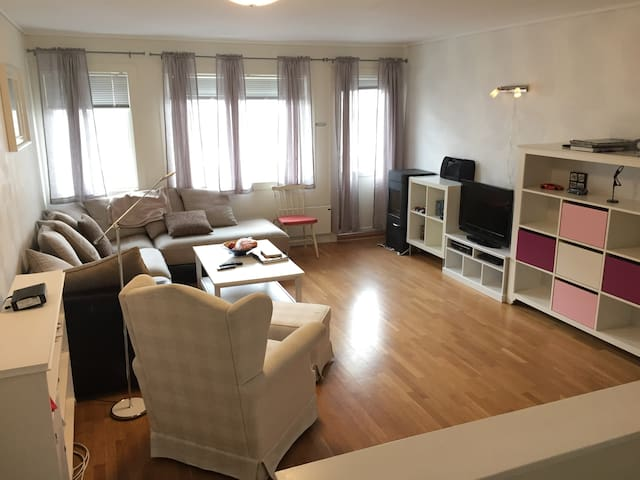 Cosy,4 rooms modern apartment, 2 toilets, spacious - Bergen - Wohnung