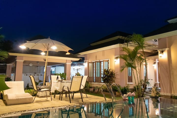 ''ELITE LUXURY'' PHUKET POOL VILLA NEAR PATONG