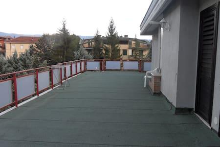Accogliente e confortevole APPARTAMENTO VACANZE - Castel di Sangro - Wohnung