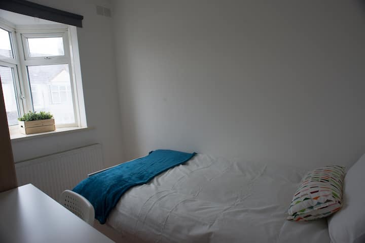Tooting Bec Rooms by DC London Rooms R3