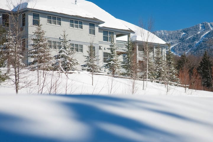 Smuggler's Notch 4 Bedroom Presidential Condo - Condominium