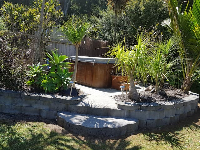 Tropical Hideaway- B&B in Maunu Whangarei