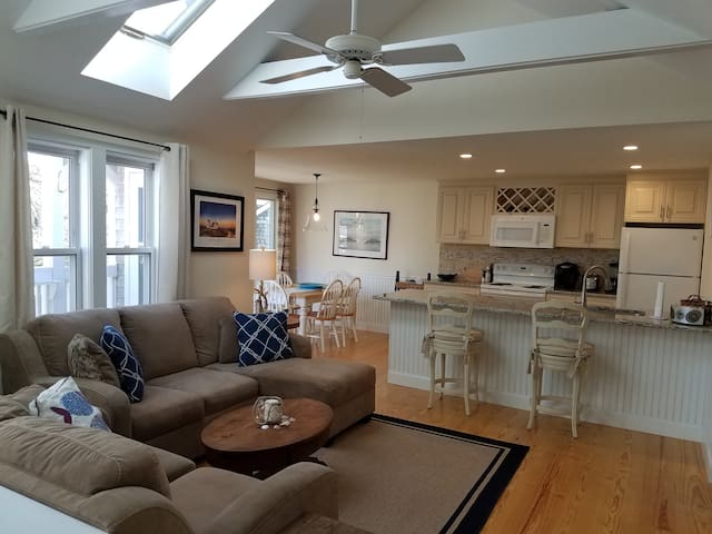 New July Monthly Listing: 2Bd/2Ba Chatham Condo