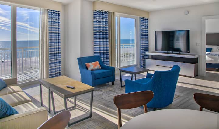 Amazing 3 Bedroom/3 Bathroom Penthouse at Oceana
