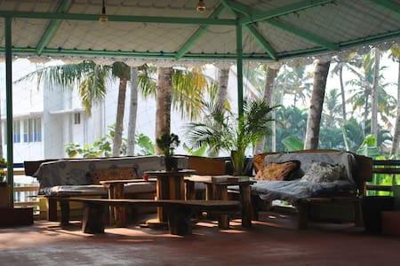 Comfy & Clean Rooms - Varkala Cliff - Guesthouse