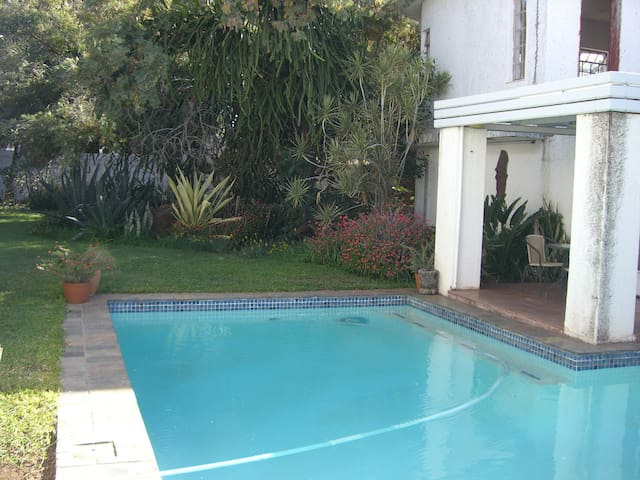 The White House - Gaborone - Guesthouse